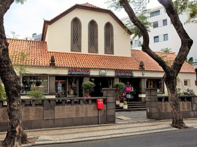 universal-store-exterieur-funchal-madere